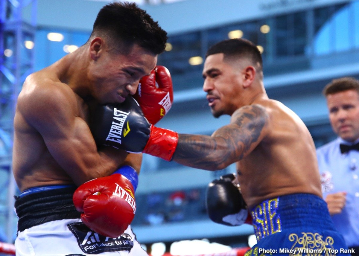 0-Jessie_Magdaleno_vs_Rafael_Rivera_action6.jpg