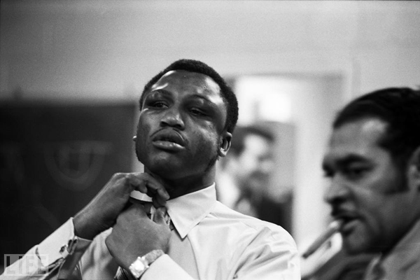 111joe-frazier-after-fight