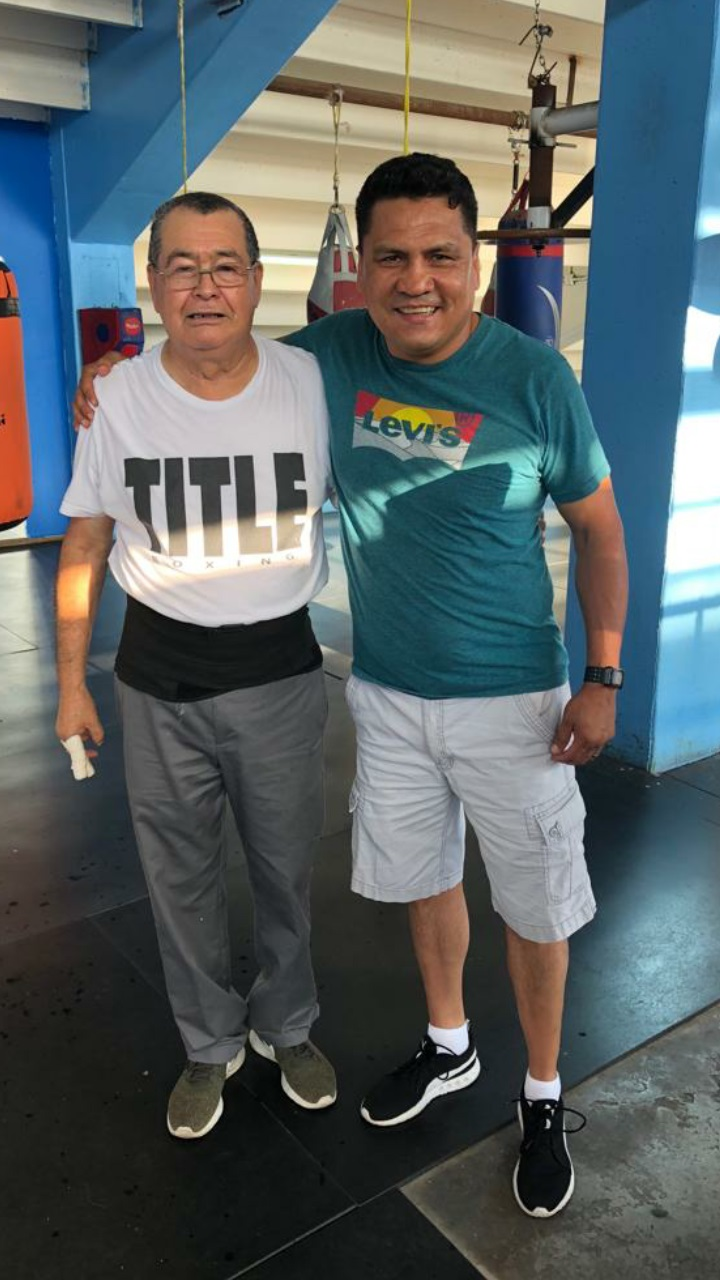 Raul-Perez-with-former-manager-Romulo-Quirarte-Photo-courtesy-of-the-WBC