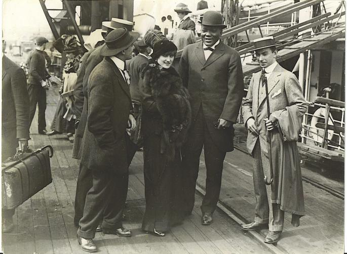 Jack_Johnson_and_wife