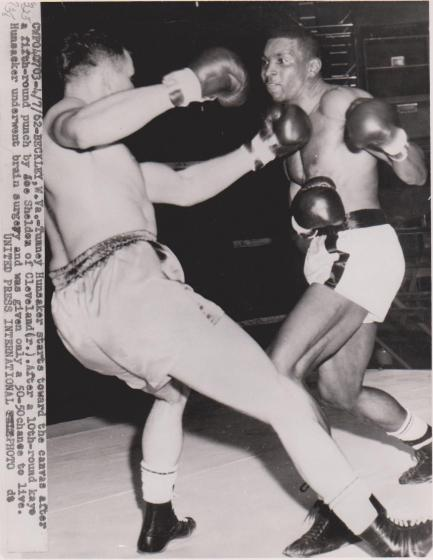 1962-04-06_Tunney_Hunsaker_200_lbs_lost_to_Joe_Shelton_192_lbs_by_KO_at_243_in_round_10_of_10_(1)